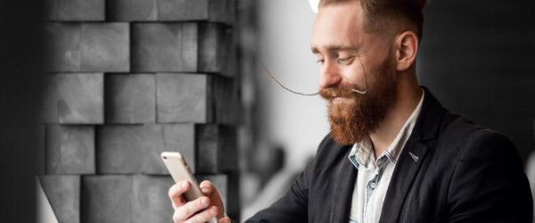 Fidéliser les clients d'un barbier avec les avis Shortcuts et l'envoi de SMS